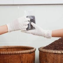 weighing-packing_starling-farm_organic-kampot-pepper-3